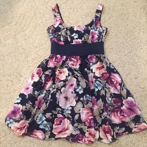 Charlotte Russe floral dress size S beautiful